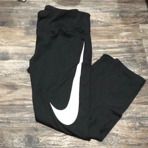 Nike women's workout 3/4 medium